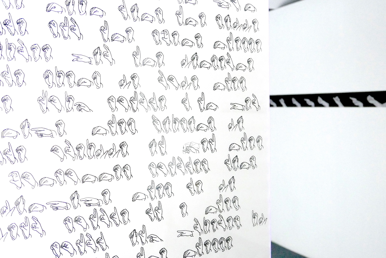 Tour de main - 1976 Poème sur papier calque fait à partir de l'alphabet sourd-muet | art-cade*