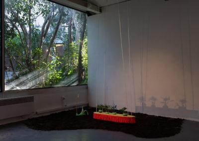 Fabienne Guilbert Burgoa, Noeuds sur Fikir, 2019, tapisserie réalisée au cours de la résidence Versant Sud, Addis-Abeba, Éthiopie © Photo Raphaël Arnaud | art-cade*