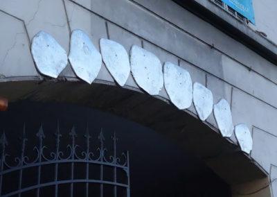 Arnaud, Arini, Grillz, 2020, Aluminium, 200x50cm, Porche d'entrée Coco Velten Porte d'Aix © Arnaud Arini | art-cade*