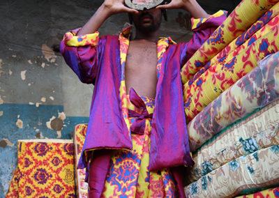 Fabienne Guilbert Burgoa, Wadafit, 2019, photographie tirée sur canevas, composition textile et céramique,  120 x 180 cm, Addis Ababa, Éthiopie © Fabienne Guilbert Burgoa | art-cade*